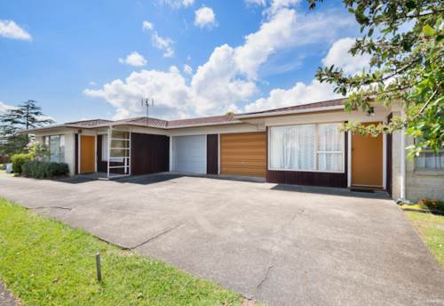 Pakuranga, First home buyers & investors - BUY ONE or BOTH, Property ID: 804149 | Barfoot & Thompson