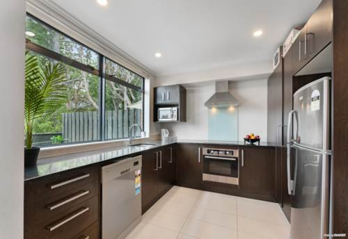 Flat Bush, Affordable Entry Into Ormiston School Zones, Property ID: 804254 | Barfoot & Thompson