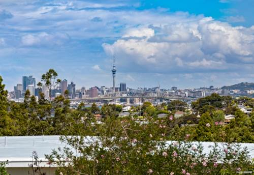 Northcote, STUNNING VIEW WITH SUNSHINE, Property ID: 804311 | Barfoot & Thompson