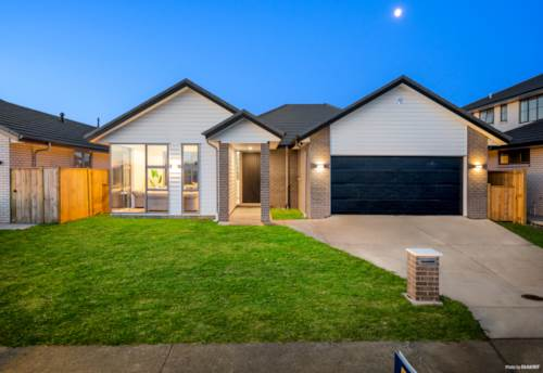 Karaka, An Absolute find of 2021!, Property ID: 805077 | Barfoot & Thompson