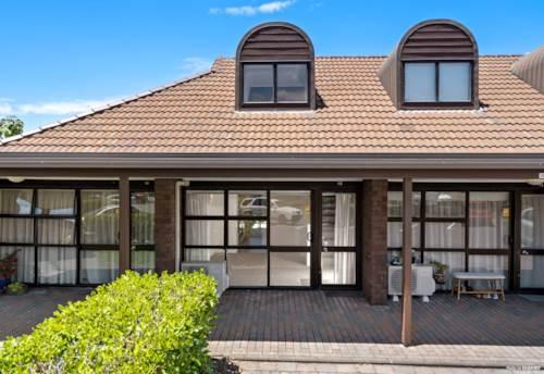 Hobsonville, Hobson Lifestyle village, Property ID: 804837 | Barfoot & Thompson