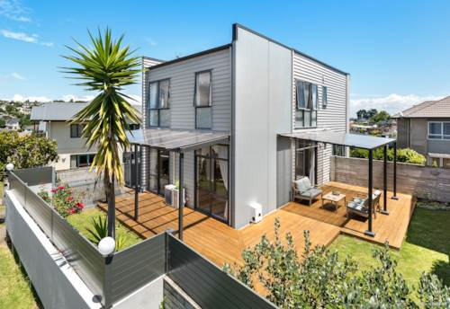 Albany, Mixed concrete & weatherboard house in Rangitoto Zone, Property ID: 804805 | Barfoot & Thompson