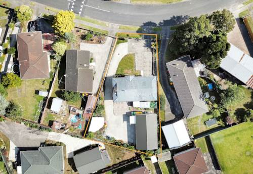Manurewa, PERFECT HOME FOR YOU AND YOUR EXTENSIVE FAMILY!, Property ID: 804873 | Barfoot & Thompson
