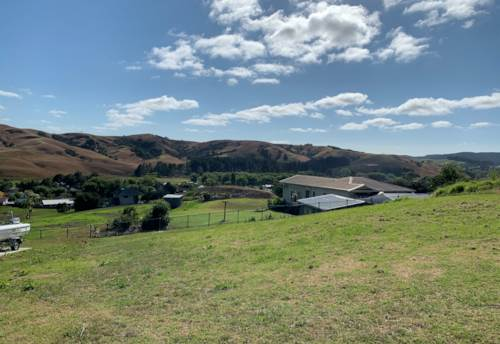 Helensville, 693m2 SECTION WITH PANORAMIC RURAL VIEWS!, Property ID: 805074 | Barfoot & Thompson