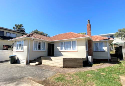 Mt Roskill, Modern lifestyle and perfect location, Property ID: 27006716 | Barfoot & Thompson