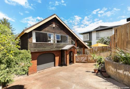 Takapuna, Affordable Central Takapuna Potential, Property ID: 804743 | Barfoot & Thompson