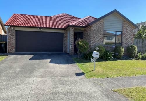 Flat Bush, Three Bedroom house off Stancombe, Property ID: 17002506 | Barfoot & Thompson
