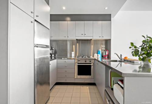 Parnell, 1 Bedroom, Balcony & Carpark., Property ID: 804908 | Barfoot & Thompson