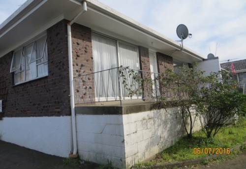 Mangere East, 2 bed unit close to schools, Property ID: 36002030 | Barfoot & Thompson