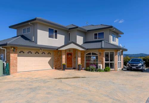 Massey, Standing Proud With Lots Of Space, Property ID: 804997 | Barfoot & Thompson