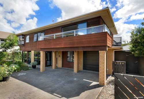 Orewa, Dream Beach Location With Space And Style, Property ID: 805080   Barfoot & Thompson