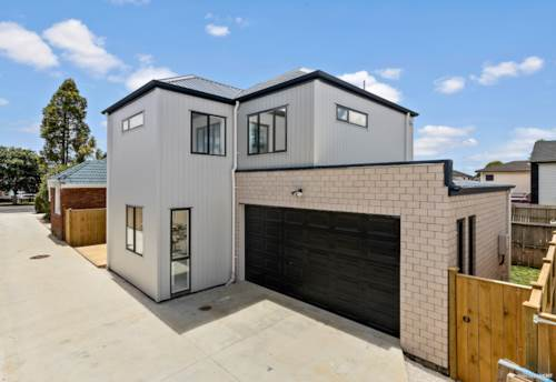 Mangere, QUALITY NEW BUILD - TASTEFUL & LUXURY, Property ID: 805011 | Barfoot & Thompson