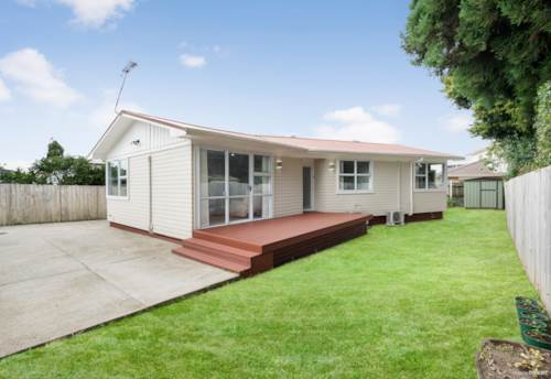 Papatoetoe, Freehold and own driveway!!, Property ID: 805356 | Barfoot & Thompson