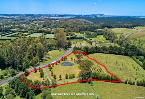 Kerikeri, HARD TO FIND HAVEN THIS CLOSE TO TOWN, Property ID: 804665 | Barfoot & Thompson
