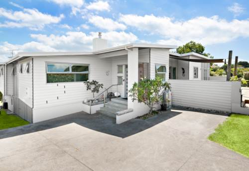 Manly, EPIC 406m2 EXTENDED FAMILY LIVING, Property ID: 806060 | Barfoot & Thompson