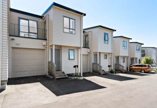 Flat Bush, Convenient, Low Maintenance and Cosy, Property ID: 806017 | Barfoot & Thompson