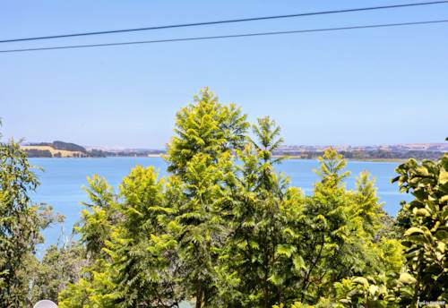 Glenbrook, DREAM BY THE SEA, Property ID: 806052 | Barfoot & Thompson