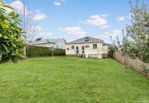 Mt Eden, Don't miss this chance, make your move now!!!, Property ID: 806335 | Barfoot & Thompson