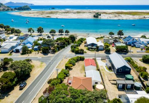 Mangawhai Heads, BOATIES DREAM - GOLDEN CIRCLE, Property ID: 805757 | Barfoot & Thompson