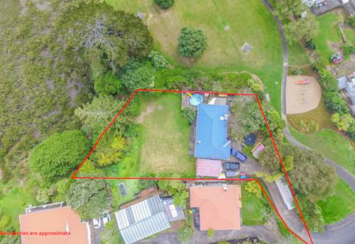 Waterview, Beautiful View 1542 m2 Big Land! Central Auckland!, Property ID: 806445 | Barfoot & Thompson