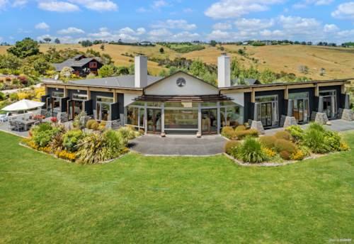 Ramarama, Distinguished Lifestyle Property on 16.9 ha, Property ID: 806292 | Barfoot & Thompson
