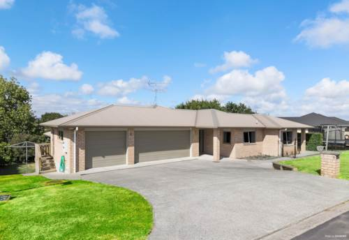 Tuakau, Bells and Whistles on a huge section!, Property ID: 806350 | Barfoot & Thompson