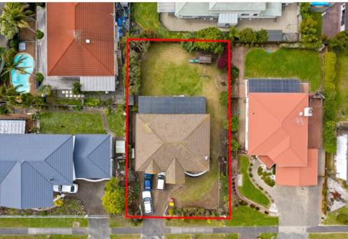 Pinehill, Mixed housing suburbanZoned House with BIG Potential!!!, Property ID: 804971 | Barfoot & Thompson