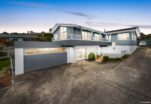 Pukekohe, Ample space for extended families!, Property ID: 806646   Barfoot & Thompson