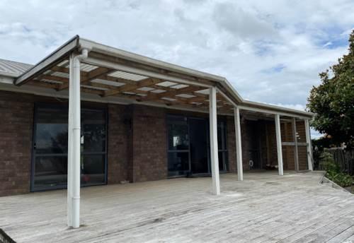 Waiuku, LARGE TRANQUIL HIDEAWAY  , Property ID: 46004498 | Barfoot & Thompson