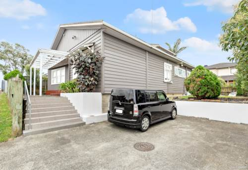 Hillsborough, Opportunity!! FREEHOLD 409m2, Character Bungalow, Property ID: 806639 | Barfoot & Thompson