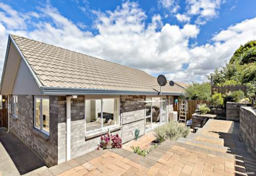 Te Atatu South, TIDY FIRST HOME or GREAT DOWNSIZER, Property ID: 806823 | Barfoot & Thompson