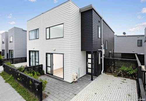 Hobsonville, Stepping Stone To The Decile 10 School Zone!, Property ID: 806689 | Barfoot & Thompson