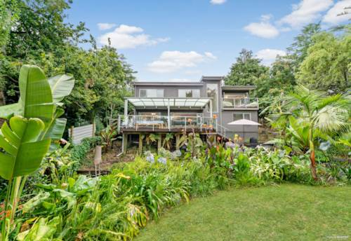 Tuakau, Private Oasis, Property ID: 806618 | Barfoot & Thompson