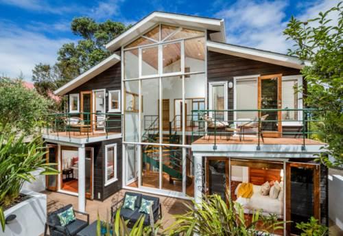 Waiake, Environmentally Friendly Seaside Oasis, Property ID: 806051 | Barfoot & Thompson