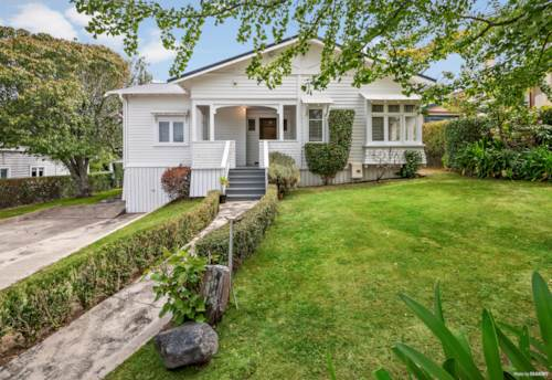 Greenlane, GORGEOUS FAMILY BUNGALOW ON 1062 M2, Property ID: 805871   Barfoot & Thompson
