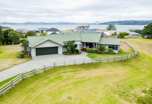 One Tree Point, Country feel close to the beach, Property ID: 806723 | Barfoot & Thompson