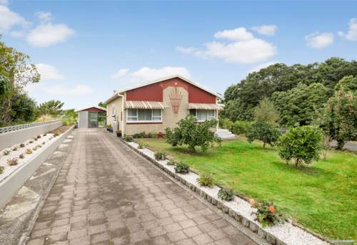 Te Kauwhata, Freehold, Family Favourite  plus Grandstand Views!, Property ID: 806709 | Barfoot & Thompson