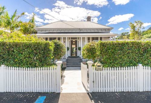 Devonport, VILLA CHARM GOES 'ONE STEP FURTHER'!, Property ID: 807011 | Barfoot & Thompson