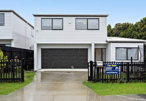 Clendon Park, home by the sea, Property ID: 806472 | Barfoot & Thompson