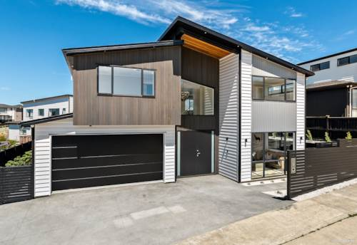 Pinehill, Spacious, Modern and Quality Home In Rangi Zone, Property ID: 806963 | Barfoot & Thompson