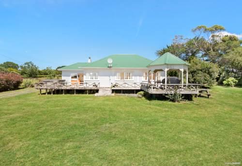 Waiuku, Lifestyler - Live & Renovate, Property ID: 807155 | Barfoot & Thompson