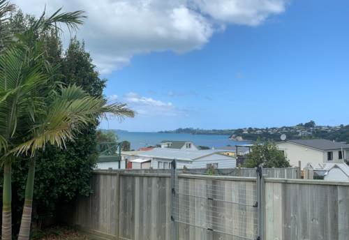 Snells Beach, A CUTIE FULL OF CHARM, Property ID: 61002081 | Barfoot & Thompson