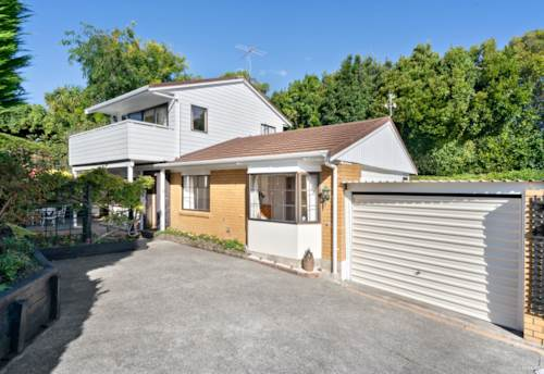Mellons Bay, Prestigious School Zone Suburb, Property ID: 807030   Barfoot & Thompson