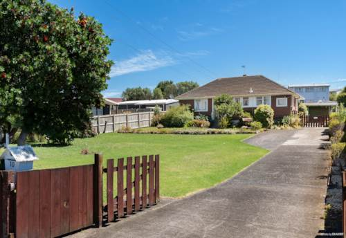 Papakura, First Time on The Market..., Property ID: 807240 | Barfoot & Thompson