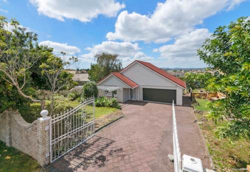 Howick, Brick & Tile Superb Family Home, Property ID: 806442 | Barfoot & Thompson