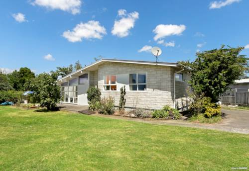 Favona, LIFESTYLE IN LACHLAN - 1254M² (MOL) FLAT LAND, Property ID: 807243   Barfoot & Thompson