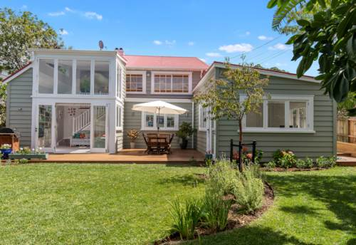 Devonport, UNIQUE AND SPACIOUS FAMILY HOME, Property ID: 807356 | Barfoot & Thompson