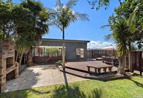 Howick, Renovated three bedroom house on Vincent St (pets welcome), Property ID: 17002523   Barfoot & Thompson