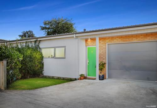 Tuakau, DON'T MISS THIS!, Property ID: 807565 | Barfoot & Thompson