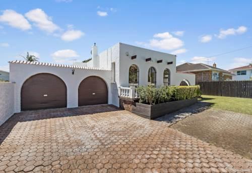 Onehunga, An Art Deco Charmer!, Property ID: 805040 | Barfoot & Thompson